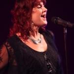 Sängerin Sabine Waszelewski im Konzert im Salzlandtheater Staßfurt